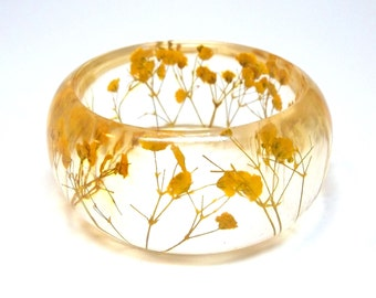 Yellow Resin Bangle.  Pressed Flowers.  Yellow Baby's Breath.  Contemporary Botanical Jewelry. Personalized Gift. Engraved Mom Gift.