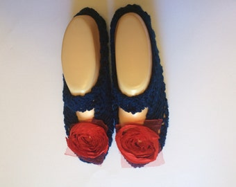 Cosy House Slipper Socks  (Navy blue, with red flowers)