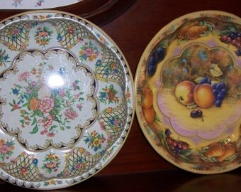 DAHER Decorated Ware Pair of Tin Bowls Floral and Fruit Designs Vintage Made in England 1971 Home Decor