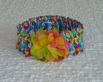 "Kaleidoscope Daisies Dog Scrunchie Collar with rainbow flower - L: 16"" to 18"" neck"