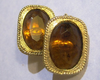 clip on earrings, Sarah Cov gold tone clip on rectangle earrings with faceted tortoise or clear brown center 615B