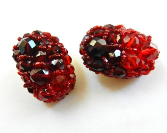Shiny and rare Coppola and Toppo earrings high end - wired works of faceted crystals in shades of red and  garnet / burgundy -  Art.349/4-