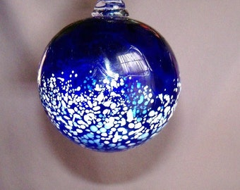 Blown Glass Christmas Ornament/Ball/Suncatcher, Holiday,Cobalt Blue & White Color