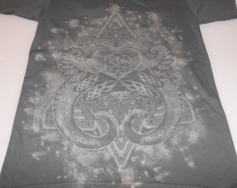 T shirt hamsa by lightsounddimension on etsy for T shirt printing in palmdale ca
