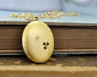 vintage find MEMERIES WITHIN antique gold filled locket with dainty beaded gold filled chain