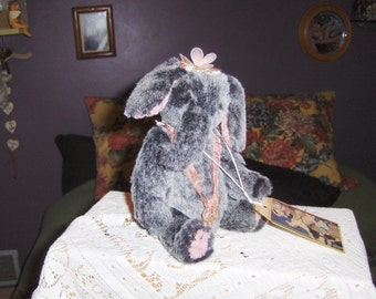 Artist collectable hand sewn 9inch Ellie Elephant, jointed, glass eyes; SALE