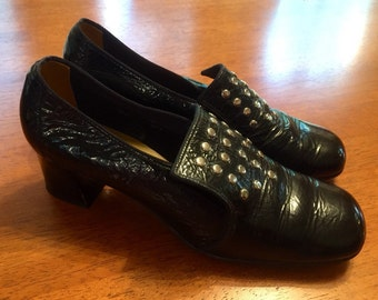 Vintage Witch, Granny Chic shoes size 6 C/A leather with studs
