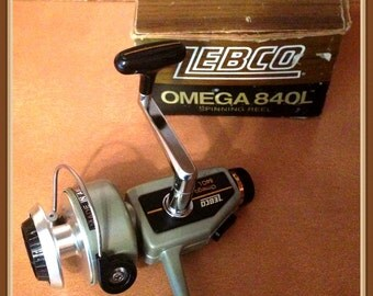 Zebco Omega 840L Fishng Reel, Spinnng, Made in America, Orig. Box, Manual, Parts List, Vintage circa 1978 1980's