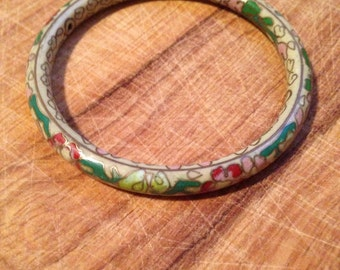 vintage. Cream and Green Chinese Ceramic and Metal Floral Bangle