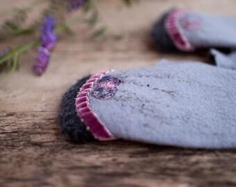 Felted fingerless gloves sky blue lavender merino wool mittens women gloves velvet ribbon purple flowers grey silk lace Christmas gift