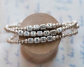 Custom Name Bracelet for Moms, name bracelet, child bracelet, personalized jewelry, mom bracelet, grandma bracelet, Pommier-Benoit