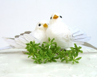 2 Artificial White Doves Birds, DIY Wedding Cake Topper, Fake Lovebirds Pair Craft Supply, Sparkly, Paper Glitter, Clip-on