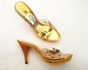 "CLEARANCE  1950's Dead Stock Gold Platform MULES w/ Clear Plastic Giltter Butterflies  ""Carroll's of C A""  Rockabilly VLV Pinup Size-7  1/2M"