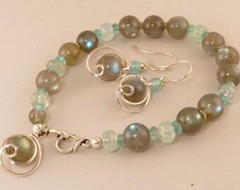 Gemstone Bracelet Gift Set, Labradorite and Aquamarine Unique Single Strand Bracelet Gift Set