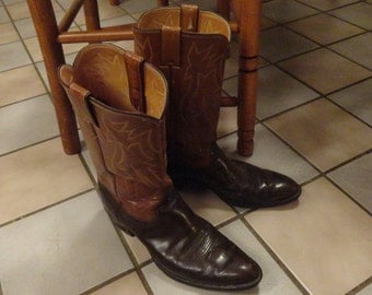 Vintage COWBOY BOOTS Justin Size 10D Brown and Tan