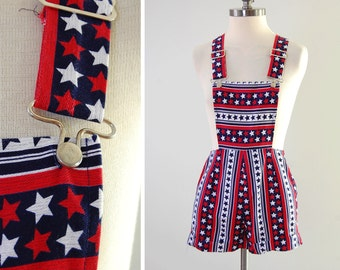 Vintage 70s STARS n STRIPES print hot pant overalls / Americana romper shortalls / Fits 24 inch waist