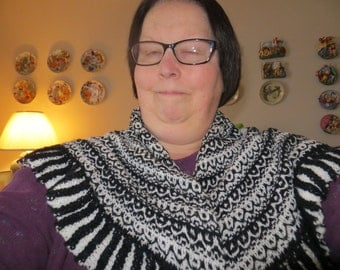 Ruffle Shawl in Black and White