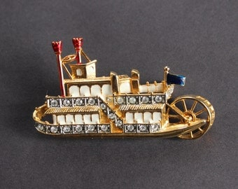 Steamboat or Paddle Wheel Boat Pin