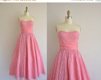 Anniversary SHOP SALE... vintage 1950s dress / rosey pink lace party dress / 50s strapless dress
