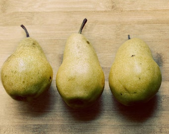 Still Life Pears Photograph, Food Photography, Kitchen Decor, Retro Decor, Dining Room, Mid Century, Green, Natural, Wood, Wall Art, Yellow