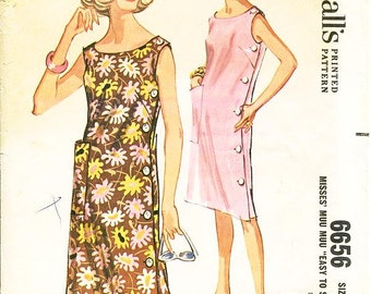 Misses' Muu Muu Dress with Left Side Button Closure - SZ 10/12 - Small - Vintage 1960s Dress Sewing Pattern - McCall's 6656