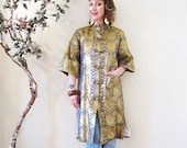 BIG ASS SALE vintage 50s 60s  gold lurex embroidered Japanese jacket lounge robe dressing gown opera coat dress Asian boho