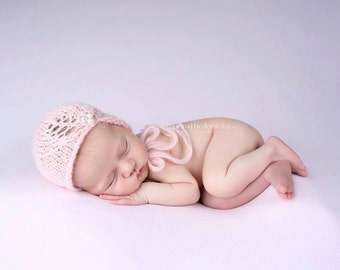 Knit newborn hat, photography prop, super soft Alpaca yarn, Newborn Photo Prop, Pearls, Hand knit baby hat, baby girl hat