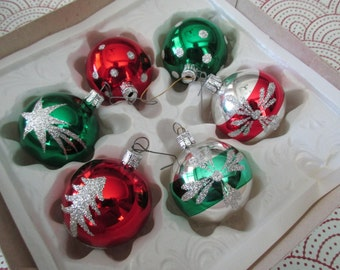 6 vintage GLASS TREE ORNAMENTS -Made in Romania -boxed