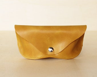 SALE -40% Leather sunglasses case ochre yellow
