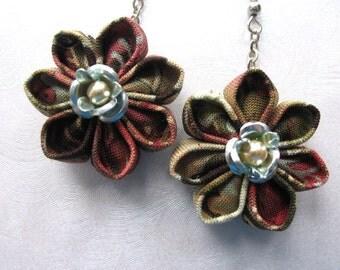 Antique Elegance Kanzashi Flower Earrings