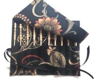 Set Brittany Crochet Hooks Black Floral Roll Up Case 10 Birch Hooks Sizes D E F G H I J K L M Collection Grosgrain Ribbon