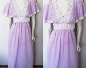Vtg.70s Lilac White Lace Flutter Sleeve Maxi Dress.Medium.Bust 38.Waist 38