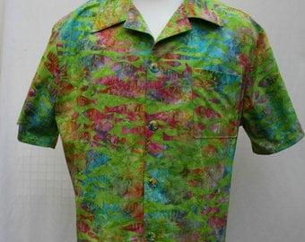 Handmade Batik Fish Aloha Tropical Bahamas Semi-fitted Shirt in size Large