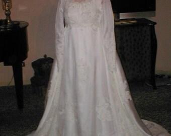 BRIDAL SALE Vintage 1960's Wedding Dress Bridal Gown sz 4