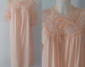 Vintage Luxite Pink Peignoir/Robe, Luxite, 1950s Robe, 1950s Negligee, Pink Negligee, Vintage Negligee, Vintage Robe,  Vintage Peignoir