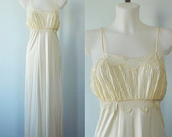 Vintage Nightgown, Vintage Ivory Nightgown, Linda Lingerie, 1980s Nightgown, Wedding, Romantic, Vintage Lingerie, Nightgown