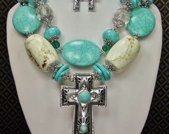 Western Cowgirl Chunky Necklace Set / Cowgirl Statement / Statement Necklace / Howlite Turquoise Necklace / Bold Chunky - PoNDeRoSa PReTTy