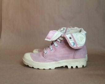 1990's two toned faded pink lace up canvas kicks / platform club sneakers / fold down at ankle / Palladium
