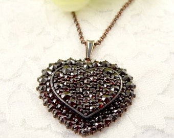 Gorgeous Bohemian garnet heart with two layers || ГРАНАТ