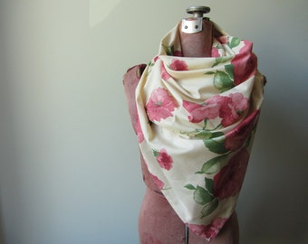 Shabby Chic Scarf, Rose Print Scarf, Floral Scarf, Rose Pattern Scarf, Triangle Scarf, Upcycled Fabric Scarf, Floral Wrap, Scarf with Roses