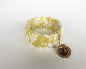 Yellow and White Damask Fabric-Covered Bracelet