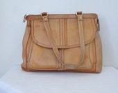 1970s blonde perfectly worn leather handbag // contessa boho purse with straps