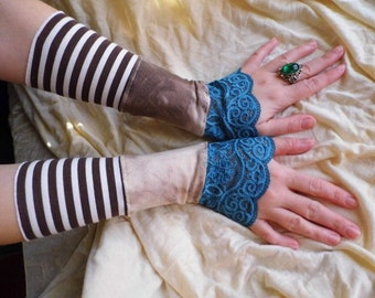 Gloves, arm warmers,steampunk, lace gloves, striped gloves, victorian, tim burton, jane austen, mori girl, tatter punk,cosplay, women