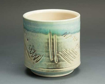 White stoneware tea cup tea bowl light green Japanese yunomi 12 oz. 2608