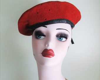 Vintage 70's Red Wool Beret Hat / Bamberger German Military Band Style Classic Wool Felt Tilt Hat