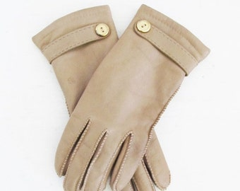 50% OFF SALE Vintage Leather Driving Gloves / Warm Cozy Isolated Winter Wrist Gloves