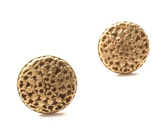 Elizabeth Floral Stud Earrings. Vintage Inspired Antiqued Brass. FAST Shipping w/Tracking for US Buyers. Gift Box w/Ribbon Incl.
