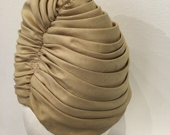 Sally Victor 1940s Cloche Hat Vintage Millinery Ivory Vintage Headwear