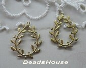 4pcs -(25 x 28mm) Raw Brass Filigree Stamping Pendant With 2 Loops ,Nickel Free