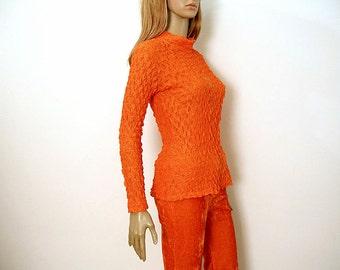 Vintage 1970s Crinkle Blouse Bright Orange Long Sleeve Mock Turtle Shirt / Small to Medium